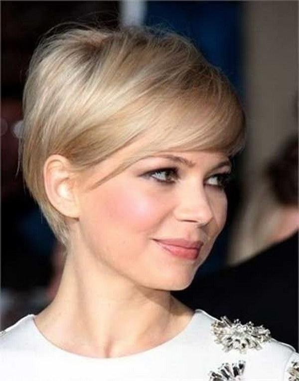 25 Beautiful Short Haircuts For Round Faces 2017 For Short Hairstyles For Thin Hair And Round Faces (View 4 of 20)