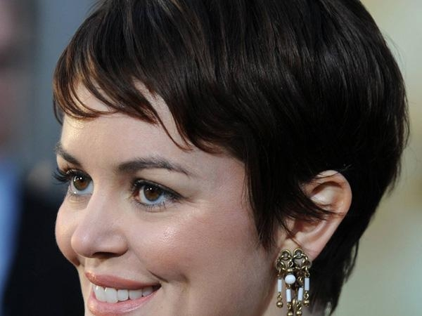 25 Gorgeous Trendy Short Hairstyles – Slodive With Short Haircuts For Curvy Women (View 5 of 20)