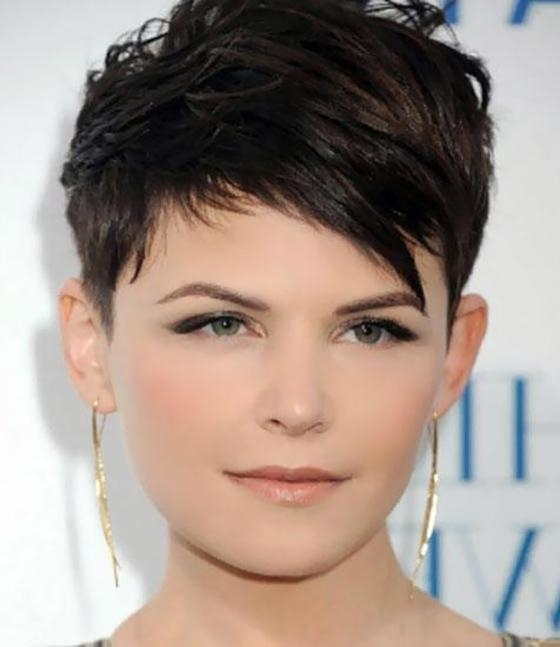 25 Hairstyles To Slim Down Round Faces In Short Haircuts For Fat Face (View 3 of 20)