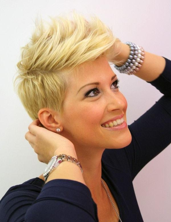 25 Short Haircuts In Short Haircuts Like Miley Cyrus (View 1 of 20)