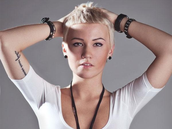 26 Alluring Short Hairstyles For Square Faces With Regard To Short Hairstyles For A Square Face (View 18 of 20)
