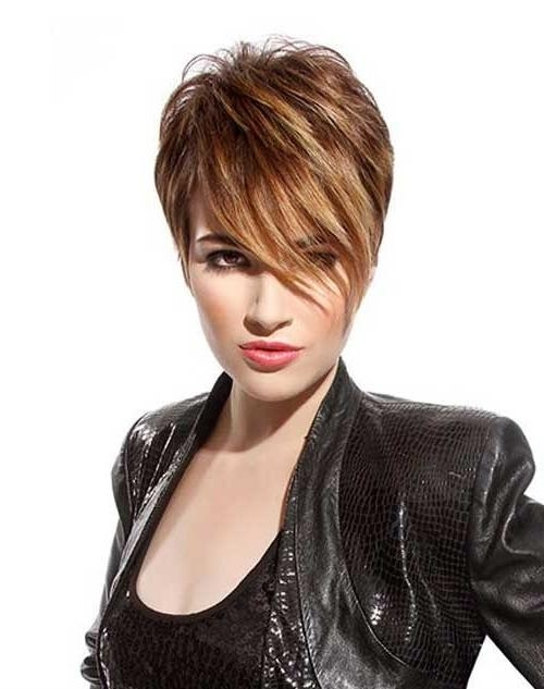 26 Best Short Haircuts For Long Face – Popular Haircuts With Regard To Long Face Short Haircuts (View 7 of 20)