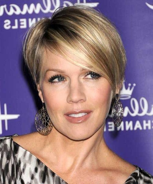30 Best Jennie Garth Images On Pinterest | Jennie Garth, Live And Within Short Haircuts That Make You Look Younger (View 6 of 20)