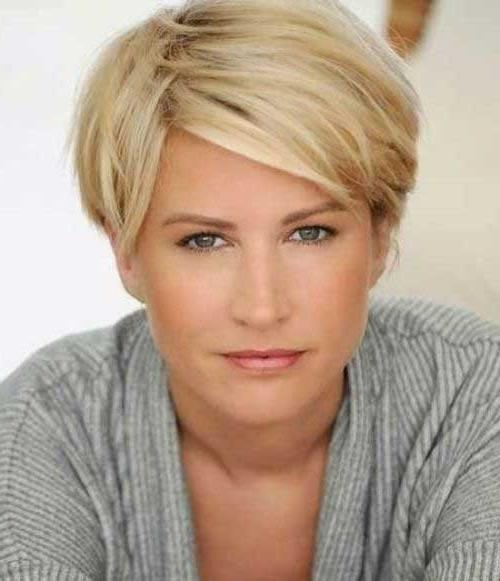 Photo Gallery of Short Hairstyles For Women In Their 40S (Viewing 8 ...
