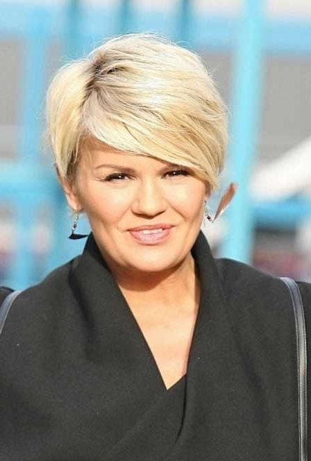 30 Best Short Hairstyles For Round Faces | Short Hairstyles 2016 Inside Short Hairstyles For Full Round Faces (View 9 of 20)