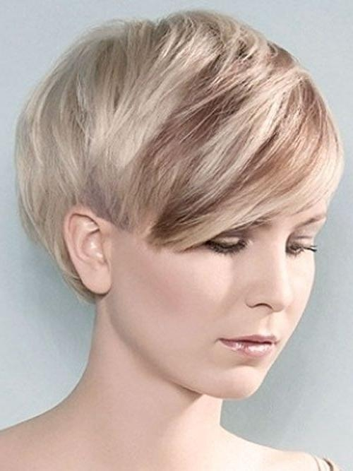 35 Vogue Hairstyles For Short Hair – Popular Haircuts In Short Haircuts With Side Swept Bangs (View 4 of 20)