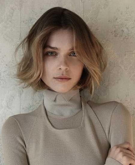 "36 Best ""who Are You With Your Middle Part At Your Age?"" Images On For Center Part Short Hairstyles (View 3 of 20)"