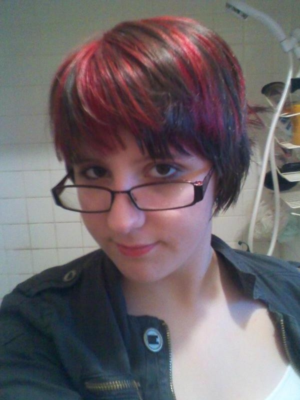 40 Pretty Short Hairstyles For Women – Slodive With Red And Black Short Hairstyles (View 6 of 20)