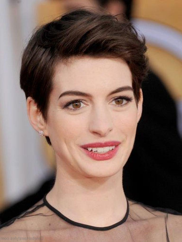 41 Elegant Hairstyles Of Anne Hathaway For Anne Hathaway Short Hairstyles (View 11 of 20)