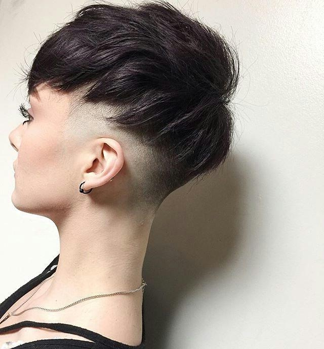 45 Trendy Short Hair Cuts For Women 2018 – Popular Short Hairstyle Regarding Short Hairstyles For Curvy Women (View 17 of 20)