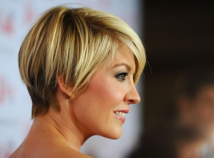 55 Super Hot Short Hairstyles 2017 – Layers, Cool Colors, Curls, Bangs With Regard To Short Haircuts For Women With Big Ears (View 3 of 20)