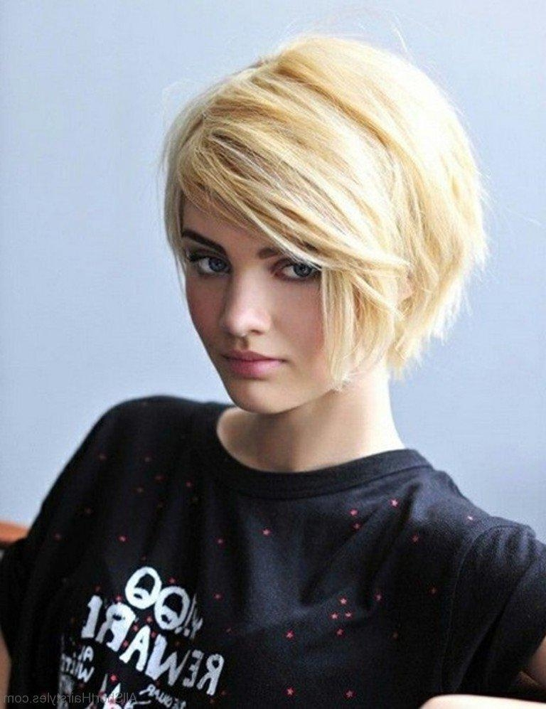 75 Graceful Short Side Swept Hairstyles For Young Girls Inside Short Haircuts With Side Swept Bangs (View 8 of 20)