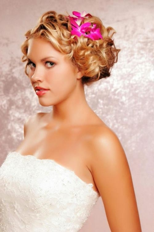 8 Beautiful Bridesmaid Hairstyles For Short Hair : Woman Fashion Within Short Hairstyles For Weddings For Bridesmaids (View 8 of 20)