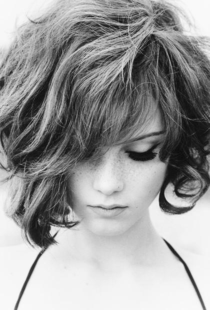 8 Best Hairstyles For Frizzy Hair With Short Haircuts For Wavy Frizzy Hair (Gallery 9 of 20)