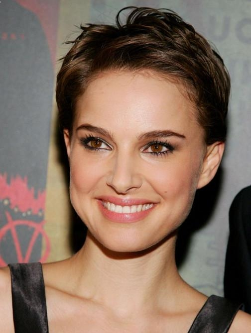 80 Popular Short Hairstyles For Women 2018 – Pretty Designs For Short Hairstyles Swept Off The Face (Gallery 7 of 20)