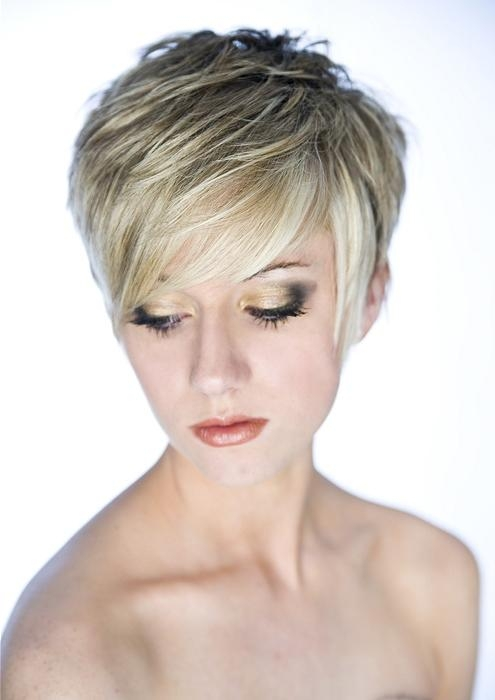 A Short Blonde Hairstyle From The Artisan Collection (No:12875) With Choppy Short Hairstyles (View 6 of 20)