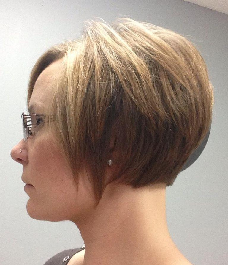 A Step By Step Guide To Growing Out A Pixie Cut Pertaining To Short Hairstyles For Growing Out A Pixie Cut (View 7 of 20)