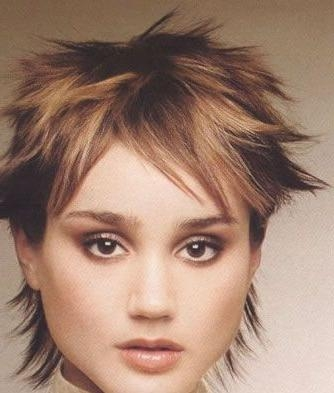 And Symmetrical Short Hairstyle Throughout Symmetrical Short Haircuts (View 9 of 20)