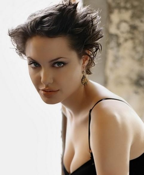 Angelina Jolie Short Hairstyle: Pixie – Pretty Designs In Angelina Jolie Short Hairstyles (View 8 of 20)