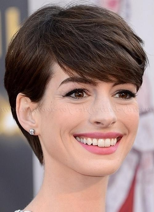 Anne Hathaway Hair Styles – Best Hair Style 2017 Inside Anne Hathaway Short Haircuts (View 17 of 20)