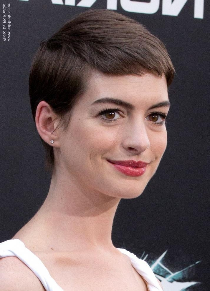 Anne Hathaway's Short Haircut | Pixie For Anne Hathaway Short Hairstyles (View 19 of 20)