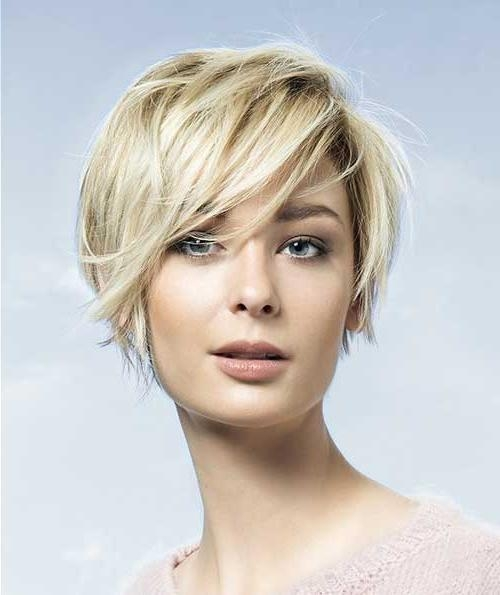 Featured Photo of Short Haircuts For Round Faces Women