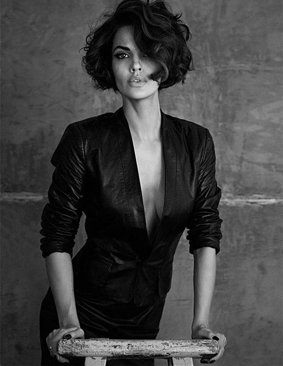 Best 25+ Angelina Jolie Short Hair Ideas On Pinterest | Angelina Inside Angelina Jolie Short Hairstyles (View 10 of 20)