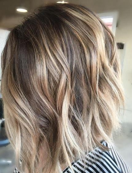 Featured Photo of Short Hairstyles With Balayage