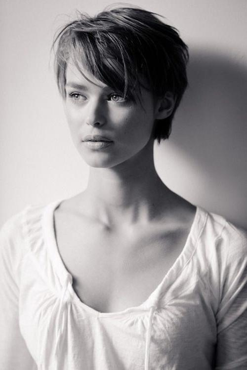 Featured Photo of Feminine Short Haircuts