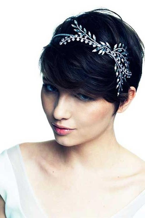 Best 25+ Headband Short Hair Ideas On Pinterest | Headbands For Pertaining To Short Hairstyles With Headbands (View 13 of 20)