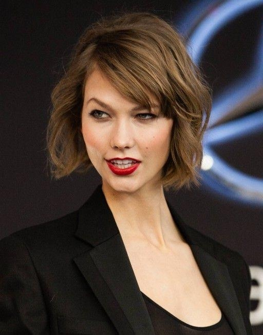 Featured Photo of Karlie Kloss Short Haircuts