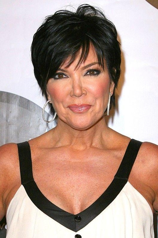 Featured Photo of Kris Jenner Short Haircuts