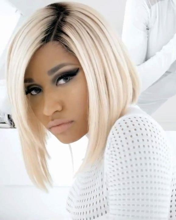 Featured Photo of Nicki Minaj Short Haircuts