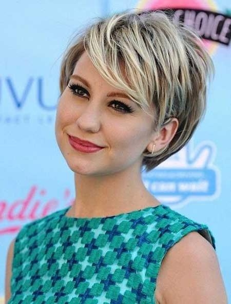 Best 25+ Round Face Hairstyles Ideas On Pinterest | Hairstyles For Intended For Pictures Of Short Hairstyles For Round Faces (View 17 of 20)