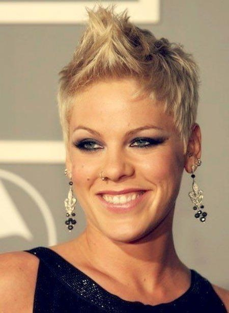 Best 25+ Singer Pink Hairstyles Ideas On Pinterest | Pink Singer Within Pink Short Haircuts (View 5 of 20)