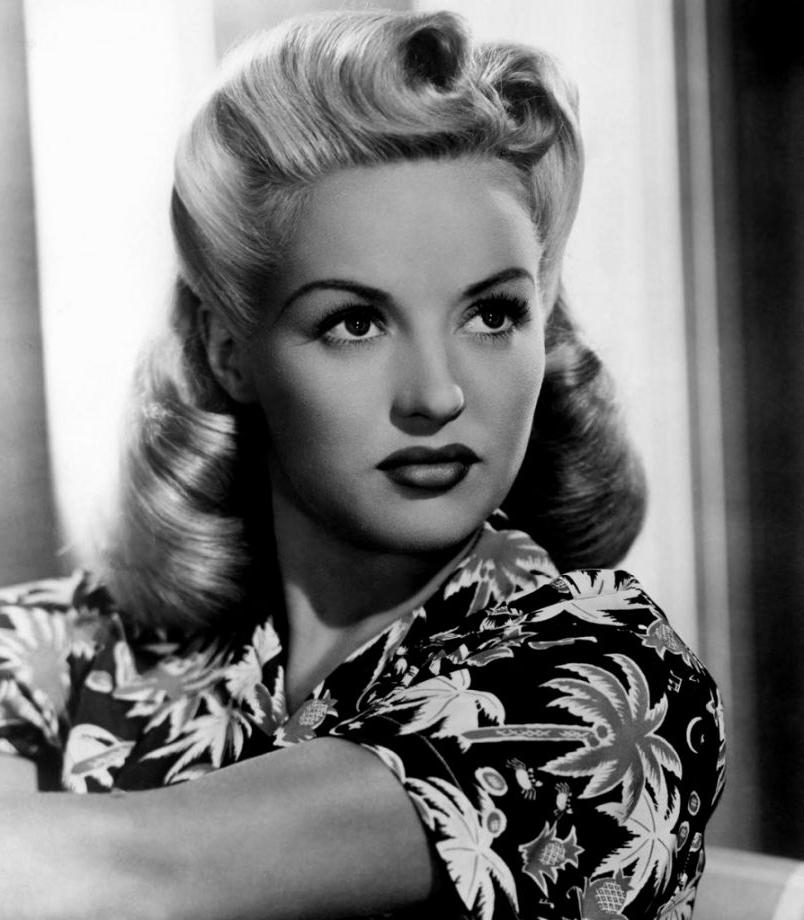 2021 Latest 1950s Long Hairstyles