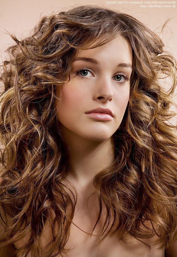 Best And Newest Long Hairstyles With Layers And Curls With Regard To Long Layered Haircut With Scrunching For Wavy Haired Types (View 5 of 20)