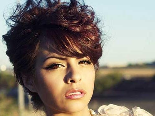 Best Curly Short Hairstyles For Round Faces | Short Hairstyles With Regard To Trendy Short Haircuts For Round Faces (View 12 of 20)