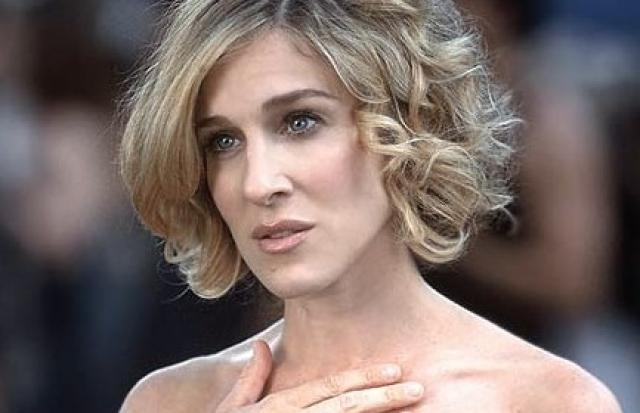 Carrie Bradshaw Short Hairstyles Well Done For Changing Appearance Pertaining To Carrie Bradshaw Short Hairstyles (View 11 of 20)