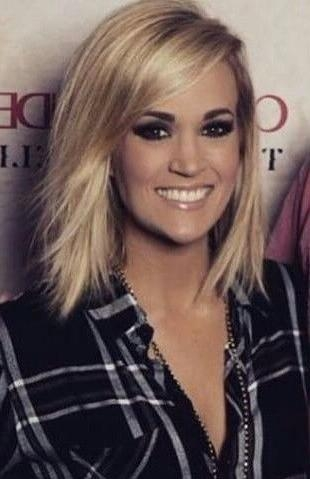 Featured Photo of Carrie Underwood Short Hairstyles