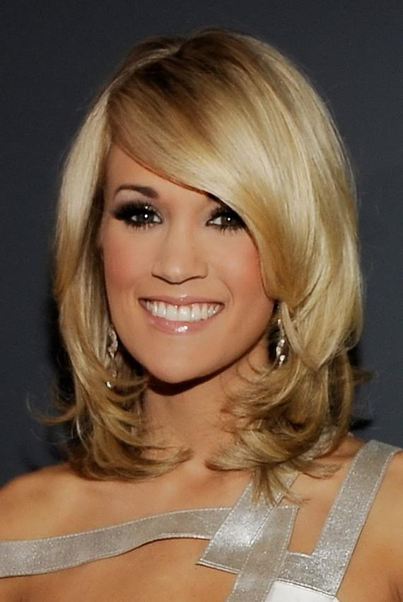 Carrie Underwood Hairstyles Regarding Carrie Underwood Short Haircuts (View 12 of 20)