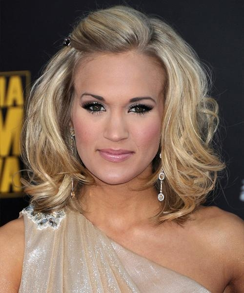 Carrie Underwood Medium Wavy Formal Hairstyle – Light Blonde Hair Pertaining To Carrie Underwood Short Hairstyles (View 10 of 20)