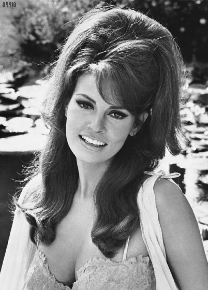 Current 1960S Long Hairstyles Intended For 1960 Hairstyles – 2017 Creative Hairstyle Ideas – Hairstyles (View 17 of 20)