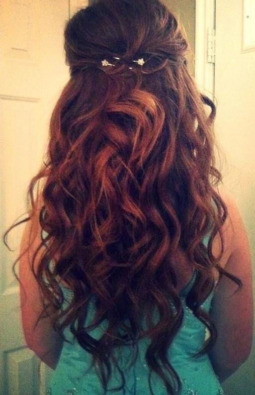 Current Curly Long Hairstyles For Prom In Hairstyles For Curly Long Hair (View 6 of 15)