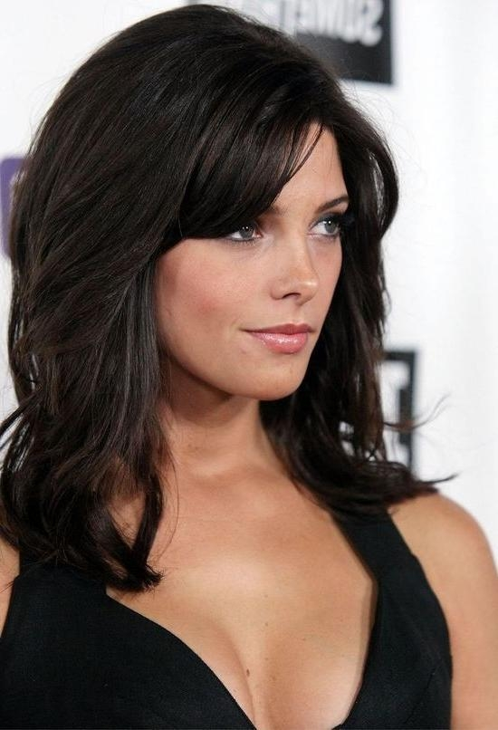 Current Heart Shaped Face Long Hairstyles With Hairstyle With Side Bangs For Heart Shaped Women (View 11 of 20)