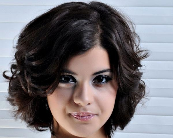 Cute Short Haircuts For Thick Hair Wavy Hairmy Styles Pictures Intended For Short Hairstyles Wavy Thick Hair (View 13 of 20)