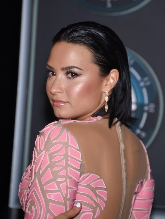 Demi Lovato Short Hair Style 2016 – Best Hair Style 2017 In Demi Lovato Short Haircuts (View 14 of 20)