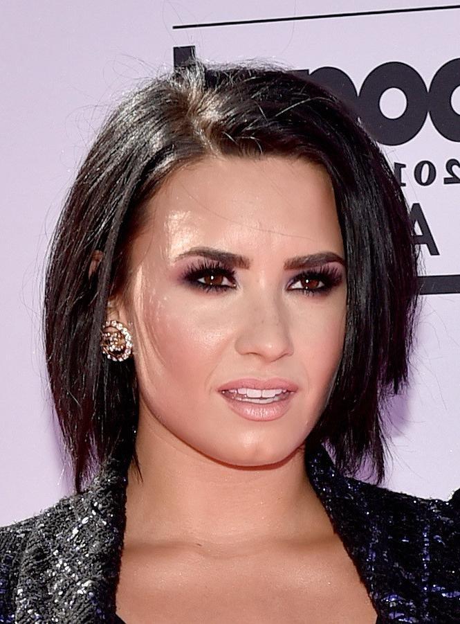 Demi Lovato Short Hairstyles Lookbook – Stylebistro Within Demi Lovato Short Hairstyles (View 12 of 20)