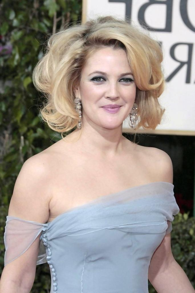Drew Barrymore Short Hairstyles – Drew Barrymore Hair – Stylebistro Within Drew Barrymore Short Hairstyles (Gallery 14 of 20)