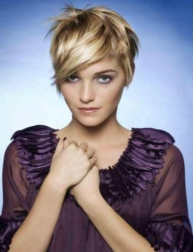 Feminine Short Layered Hairstyles – Hairstyles Weekly Intended For Feminine Short Haircuts (View 17 of 20)